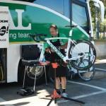 Los mecánicos del Caja Rural – Seguros RGA nos enseñan su trabajo en la Vuelta